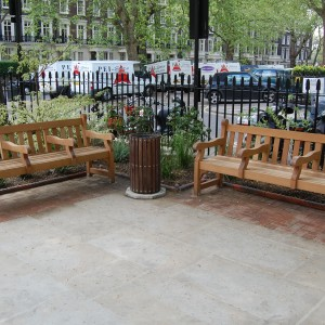 1.95m Westminster benches with centre arms