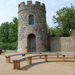 lewes-priory-curved-bench